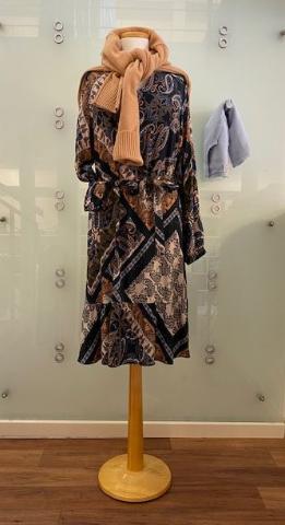 herbstliches Kleid - Damenmode 2021 - Bad Driburg - GÖKE. Haus der Moden